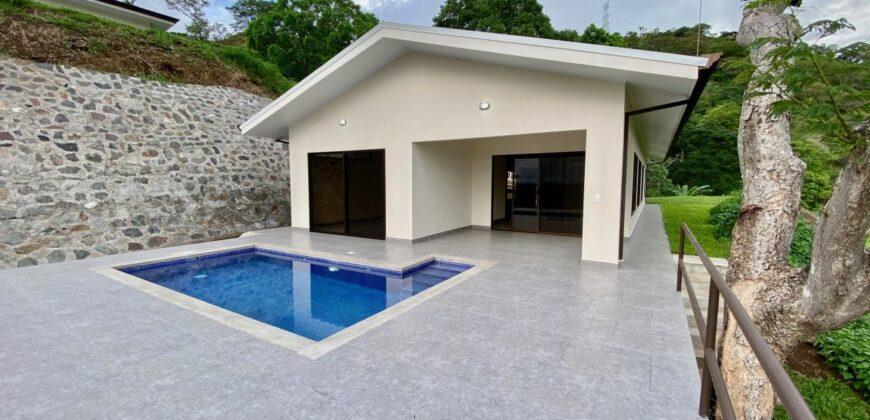 Roca Verde 3 Bedroom Residence in Atenas For Sale