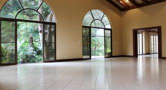Los Laureles, Escazú 4 Bedroom Home For Sale