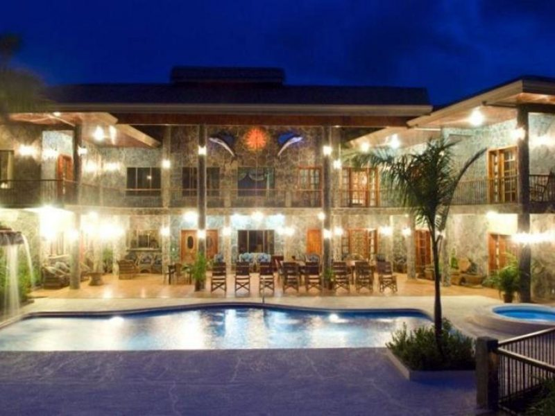 Playa Ocotal B&B for sale, just 30 minutes from the Liberia international airport.